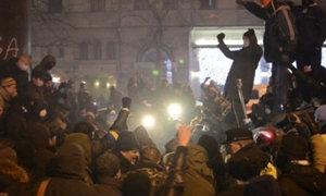ยูเครนชุมนุมใหญ่ขับไล่รัฐบาล