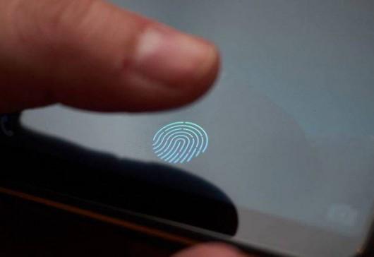 ชื่อคุ้นๆ Samsung อาจเปิดตัว Galaxy P30 มีสแกนลายนิ้วมือในหน้าจอ